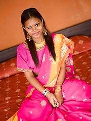 India teen in sari