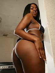 Super skinny ebony MILF showing off her naked body - Erotic and nude pussy pics at GirlSoftcore.com