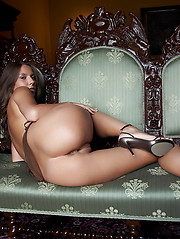 Avia in Castello by Erro - Erotic and nude pussy pics at GirlSoftcore.com