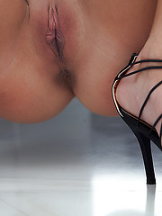 Raylene in Body by Erro - Erotic and nude pussy pics at GirlSoftcore.com
