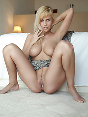 Keira in Scantonato by Erro - Erotic and nude pussy pics at GirlSoftcore.com