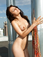 Sweet beauty - Erotic and nude pussy pics at GirlSoftcore.com