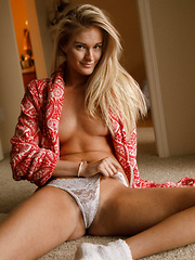 Dannell Norfolk Behold Baby - Erotic and nude pussy pics at GirlSoftcore.com