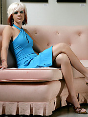 Cute emo girl in erotic photo session - Erotic and nude pussy pics at GirlSoftcore.com