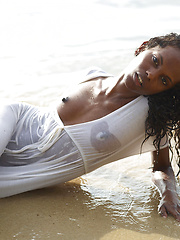 Ebony princess on the wild beach - Erotic and nude pussy pics at GirlSoftcore.com