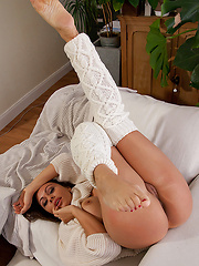 Hot MILF Gina touching her wet pussy - Erotic and nude pussy pics at GirlSoftcore.com