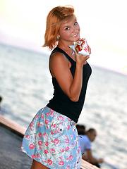 Redhead hottie Violla solo pictures
