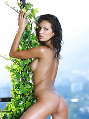 Oily body of a goddess as this fit Olga strives to get physical and do it in the buff.