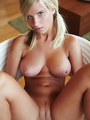 Czech blonde with sexy body - Erotic and nude pussy pics at GirlSoftcore.com