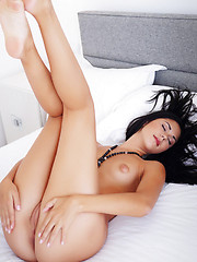 Wonderful brunette Macy B - Erotic and nude pussy pics at GirlSoftcore.com