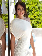 Natasha shows her sexy body