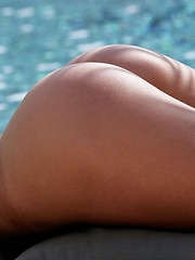 Sarah - peels off her green top and bottoms poolside - Erotic and nude pussy pics at GirlSoftcore.com