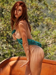 Heather Vandeven - shows off her amazing body in this pictorial - Erotic and nude pussy pics at GirlSoftcore.com