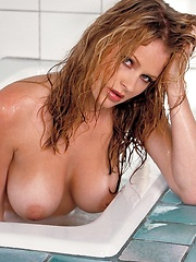 Hot babe Chantelle Fontain in a bathroom - Erotic and nude pussy pics at GirlSoftcore.com