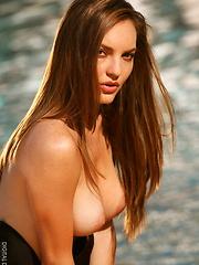 Dakota Rae - elite pornstar - Erotic and nude pussy pics at GirlSoftcore.com