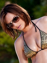 Dakota Rae - strips by the pool