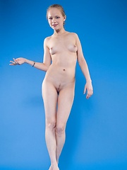 Hello It Is Me - Erotic and nude pussy pics at GirlSoftcore.com