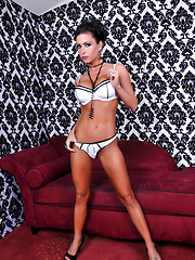 Jessica Jaymes December Dream Pics - Jessica Jaymes has the looks of a runway model