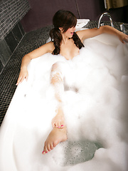Jacuzzi In Pink - Erotic and nude pussy pics at GirlSoftcore.com