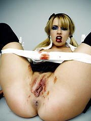 Lexi Belle being an aggressive horny bitch - Erotic and nude pussy pics at GirlSoftcore.com