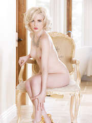 Hot blond Playboy pet Carissa White - Erotic and nude pussy pics at GirlSoftcore.com