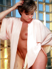 Tracy Vaccaro can walk into a Hollywood restaurant, be seated at a table next to Neil Simon and Sally Field and never give them an idle glance - as can some yogis. Tracy's poise, though, comes from a purely Western d… - Erotic and nude pussy pics at GirlSoftcore.com
