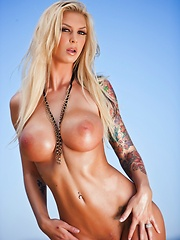 Brooke Banner Outdoor Bikini - Erotic and nude pussy pics at GirlSoftcore.com