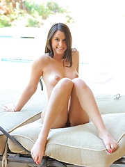 Alannah cute and naked - Erotic and nude pussy pics at GirlSoftcore.com