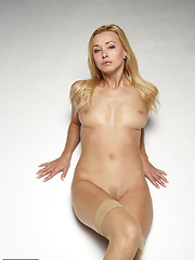 Coxy can make your sexiest dreams, come true! - Erotic and nude pussy pics at GirlSoftcore.com
