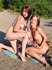 Lesbian teens posing - Erotic and nude pussy pics at GirlSoftcore.com