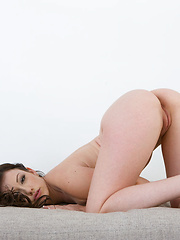 KINKY MOMENTS - Erotic and nude pussy pics at GirlSoftcore.com