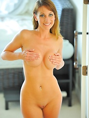 Leann stretching and playing - Erotic and nude pussy pics at GirlSoftcore.com