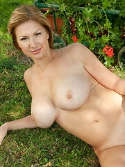 Feel The Sun - Erotic and nude pussy pics at GirlSoftcore.com