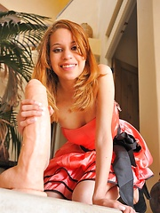Maya is itsy bitsy - Erotic and nude pussy pics at GirlSoftcore.com