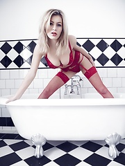 Bathtime - Erotic and nude pussy pics at GirlSoftcore.com