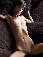 Venere A - CERMERY - Erotic and nude pussy pics at GirlSoftcore.com