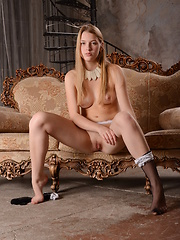 Alluring blue eyed babe - Erotic and nude pussy pics at GirlSoftcore.com