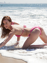 Jayden Taylors Hodgy Beach - Erotic and nude pussy pics at GirlSoftcore.com