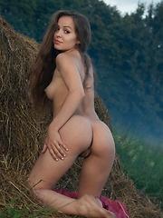 Arina G - TARIN - Erotic and nude pussy pics at GirlSoftcore.com