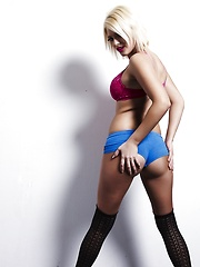 What a Super Girl - Erotic and nude pussy pics at GirlSoftcore.com