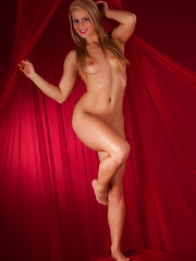 Red Light District - Erotic and nude pussy pics at GirlSoftcore.com