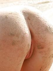 Teen model Jewel gets an ass full of sand at the beach