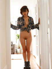 Saki Kishima Palace Of Fine Arts - Erotic and nude pussy pics at GirlSoftcore.com
