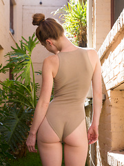 Julie Wheeler As Canelo Pineapple - Erotic and nude pussy pics at GirlSoftcore.com