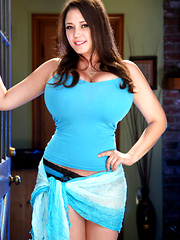 Miriam's classic pinup style, irresistible girl-next-door good looks, huge boobs and impeccable curves have always made her a massive fan favorite and those of you who have long admired and worship this beautiful lady.