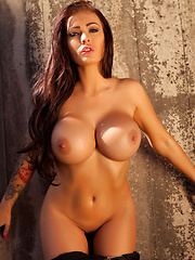 Charley: The Urban Chase - Erotic and nude pussy pics at GirlSoftcore.com
