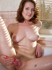 Sandy is a sexy woman with an incredibly hot body - Erotic and nude pussy pics at GirlSoftcore.com