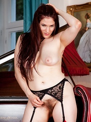 Hairy babe Brianna Green shows off her busty body - Erotic and nude pussy pics at GirlSoftcore.com