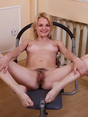 Kira S works out her warm hairy pussy in gym - Erotic and nude pussy pics at GirlSoftcore.com