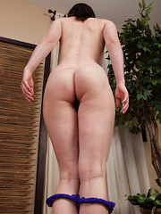 Hairy girl Thelma Sleaze works out her pussy - Erotic and nude pussy pics at GirlSoftcore.com